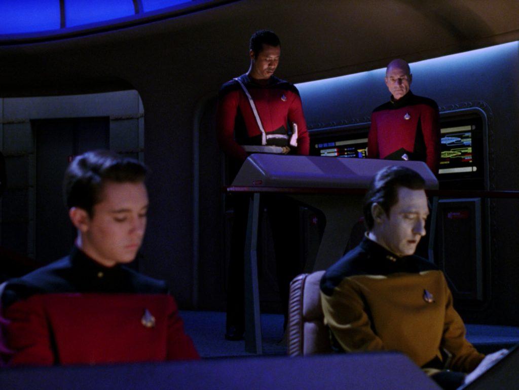 Trektember 7 - Yesterday's Enterprise - Darker bridge