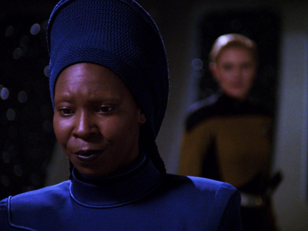 Trektember 7 - Yesterday's Enterprise - Funny looks